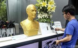 Công ty Trung Quốc tạc tượng vàng Steve Jobs để cổ vũ nhân viên