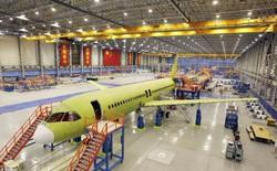 """Tua nhanh video lắp ráp máy bay dân dụng """"made in China"""" trong 140 giây"""