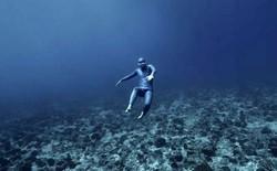 """[Video] Kì lạ hình ảnh thợ lặn chạy dưới nước với tốc độ """"không tưởng"""""""