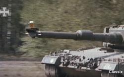 Cần chống rung cho máy ảnh, hãy đặt lên họng súng xe tăng!