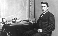 29/11/1877 - Thomas Edison cho ra mắt phát minh đầu tiên của mình - máy hát quay tay