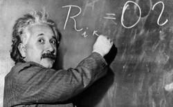 25/11/1915 - Albert Einstein giới thiệu công trình nghiên cứu về Thuyết tương đối rộng