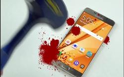 Samsung Galaxy Note 5 đầu hàng trước màn tra tấn bằng... dao và búa