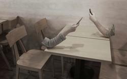 Khi quanh ta chỉ có những cánh tay nắm lấy smartphone