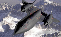 """Chiếc máy bay 51 tuổi bị """"tên lửa bắn 1000 lần không trúng"""""""