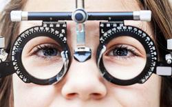 Lý giải khoa học cho việc con người bị cận thị