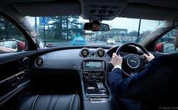 Kính chắn gió trên xe ô tô có thể biến thành trình duyệt web