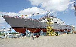 Màn hạ thủy tàu quân sự 3000 tấn cực kỳ ấn tượng của quân đội Mỹ