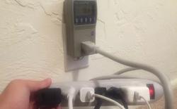Cắm sạc điện thoại trên ổ điện có tốn điện không? Câu trả lời là có
