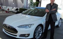 """Elon Musk đã và đang sử dụng """"xe tự lái"""" của Tesla hàng tuần"""