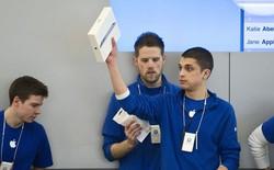 """Nhân viên Apple Store nổi giận khi bị nhà Táo đối xử như """"tội phạm"""""""