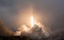 SpaceX thất bại lần thứ 4 trong thử nghiệm hạ cánh tên lửa Falcon 9 trên biển