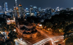 """Ngắm nhìn biểu tượng Sài Gòn từ trên cao qua """"ống kính"""" Prime X Max"""