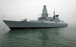 """Chiến hạm giá 1 tỷ bảng Anh chết ngắc giữa biển vì """"nước ấm quá"""""""