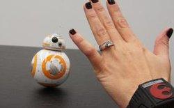 """Điều khiển robot BB-8 bằng """"thần lực"""" như phim Star Wars"""