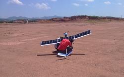 Sinh viên Bách Khoa làm máy bay không người lái năng lượng mặt trời đầu tiên tại Việt Nam
