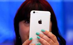 Apple sẽ lời ra bao nhiêu khi người dùng chọn mua iPhone 64 GB thay vì 16 GB?