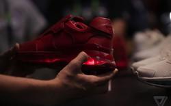 Lenovo ra mắt giày thông minh có thể dùng thay thế tay cầm chơi game cho smartphone