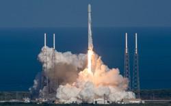 SpaceX lần thứ 3 hạ cánh thành công tên lửa trên mặt biển, còn có gì mà họ không làm được?