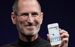 Ngày này năm xưa: Steve Jobs đã chính thức trình làng iPhone 4 như thế đó
