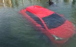 Chỉ vì quá tin thiết bị dẫn đường, một phụ nữ đã phi ô tô xuống hồ