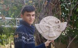 Phiến quân IS đã phá hủy biết bao cổ vật quý báu và một cậu bé 17 tuổi đang tìm cách tái tạo lại chúng