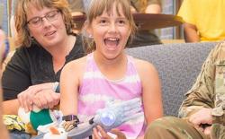 Công nghệ in 3D đã cho cô bé tật nguyền này nụ cười hạnh phúc