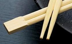 Tất cả chúng ta đều không biết cách sử dụng đôi đũa này