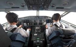 Đây là điều sẽ xảy ra nếu bạn không tắt điện thoại di động trên máy bay