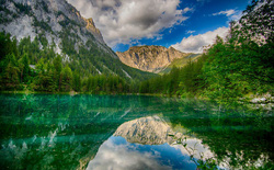 Choáng ngợp trước vẻ đẹp của công viên dưới nước đặc biệt ở Áo