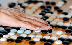 Đây là lý do vì sao cờ vây phức tạp hơn cờ vua và người ta phải mất chừng ấy năm mới tạo được AlphaGo