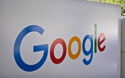 """Google """"trang bị tận răng"""" cho các cử tri Mỹ trên trang chủ của mình"""