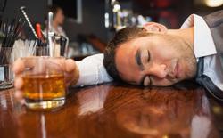 Tết này mách bạn 5 cách uống rượu bia không say không mệt