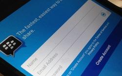 """""""Cứng"""" không đủ mạnh, BlackBerry chuyển sang """"mềm"""": miễn phí hoàn toàn BBM"""