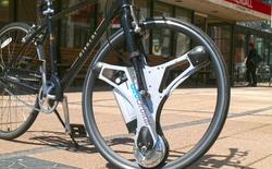 Biến xe đạp thường thành xe đạp điện chưa từng dễ dàng đến thế