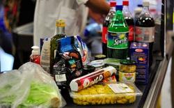 """Đây là cách mọi siêu thị """"dắt mũi"""" bạn mua đồ ăn vặt có hại cho sức khỏe"""