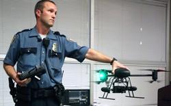 Cảnh sát Mỹ đang suy nghĩ tới việc sử dụng drone gắn súng bắn điện để trấn áp tội phạm