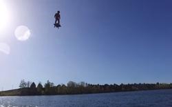 Thế này mới gọi là bay bằng hoverboard thực thụ chứ