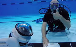 Nhờ chú robot này, các nhiếp ảnh gia đã có được những bức hình dưới nước hoàn hảo trong kỳ Olympic