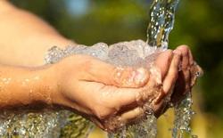 Công thức đơn giản sau sẽ giúp bạn biết mình cần uống bao nhiêu nước mỗi ngày