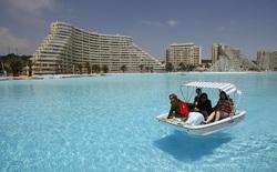 Chiêm ngưỡng toàn cảnh hồ bơi lớn nhất thế giới, to bằng 16 sân bóng đá cộng lại