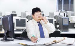 10 thực phẩm những người ngồi nhiều suốt cả ngày nên ăn để bảo vệ sức khỏe