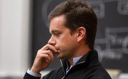 Twitter giữa 2 ngã rẽ khó khăn: bán mình hay trở thành một Yahoo thứ hai?