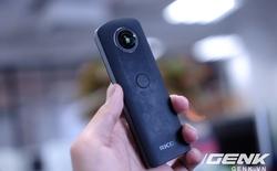Ricoh Theta S: Máy ảnh bỏ túi có thể chụp tự sướng 360 độ