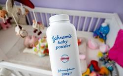 Phấn rôm bị kiện có liên quan đến ung thư, Johnson & Johnson phải bồi thường 72 triệu USD