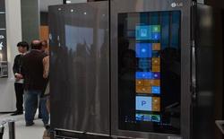 LG chơi sốc với tủ lạnh thông minh tích hợp màn hình cảm ứng 29 inch chạy Windows 10