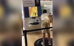 Anh chàng xui xẻo trải nghiệm kính VR chân thực nhất thế giới: Game ảo nhưng đau thật