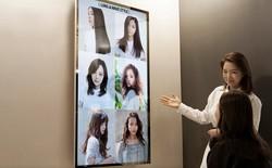 Samsung lắp màn hình gương OLED đầu tiên ở tiệm cắt tóc
