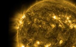 Nhìn thì tưởng mặt trời có màu vàng nhưng thật ra không phải vậy