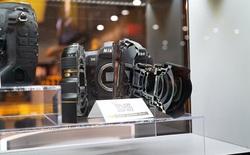 Xem quái vật Nikon D5 bị cưa đôi tại triển lãm CES 2016